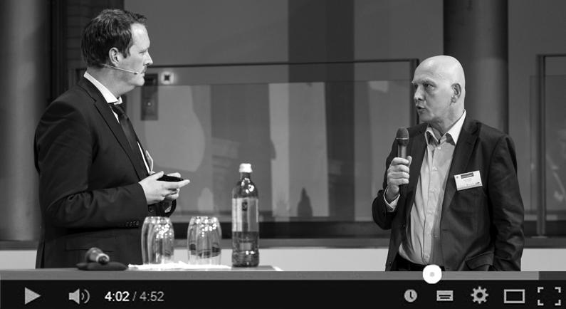 Lutz Kolmey auf der Bühne des Winter Cloud Summit 2015