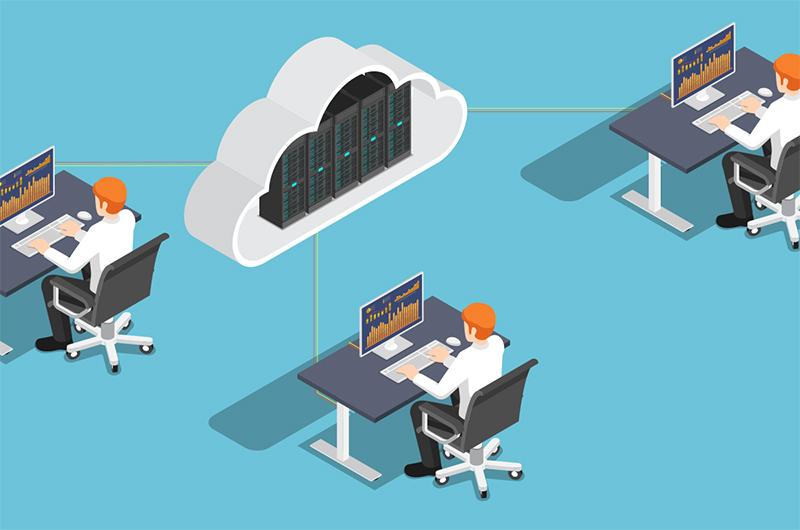 IT-Fachkräfte bei der Cloud-Entwicklung